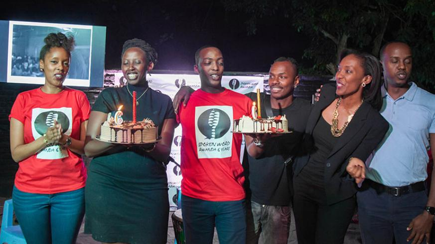 Spoken Word Rwanda team shared cake with the participants during the 6th year anniversary. / Nadege K. Imbabazi