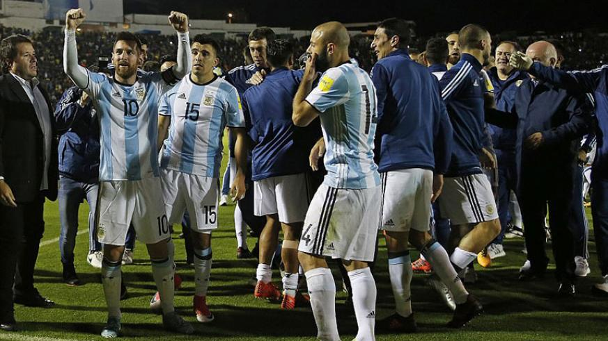 Lionel Messi's magical hat-trick helps Jorge Sampaoli's side come from behind and secure automatic World Cup qualification. / Internet photo