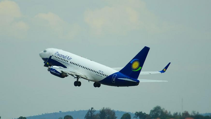 A RwandAir plane takes off at KIA. The EAC bloc is promoting aviation safety.  / File.