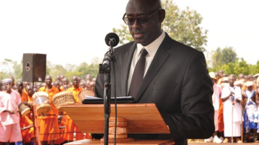 Justice minister and Attorney General Johnston Busingye addresses inmates at Huye Prison on the occasion of the Nelson Mandela International Day in Huye District on July 18, 2017. (File)