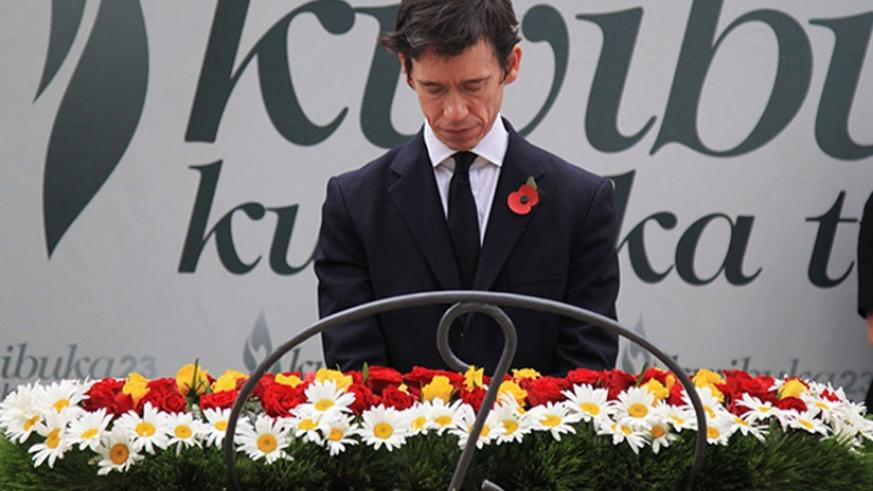 The United Kingdom's minister for Africa Rory Stewart lays a wreath at Kigali Genocide Memorial yesterday (Photos by Sam Ngendahimana)