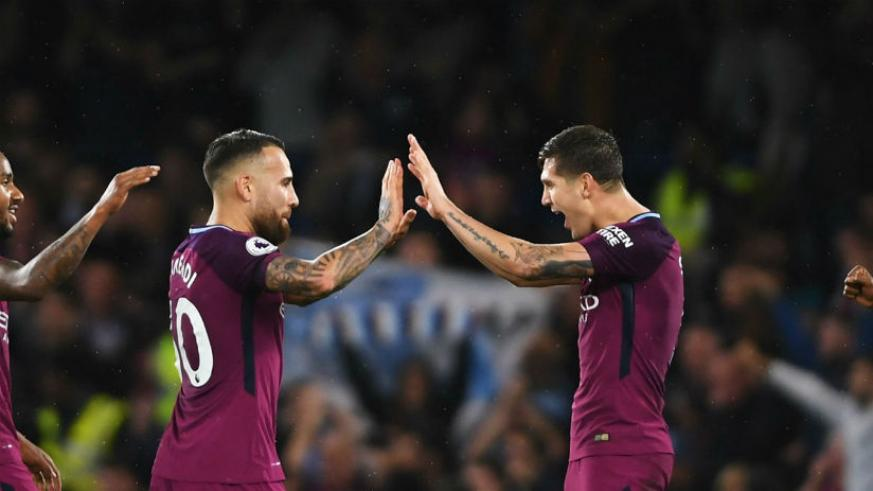 Otamendi and Stones making Kompany's absence much easier for Guardiola. / Internet photo