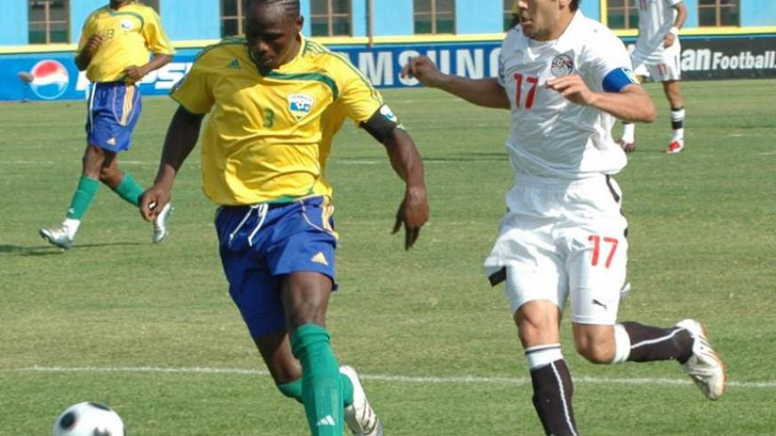 Ndikumana (Left) is a former Amavubi captain. (File)
