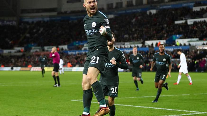 Manchester City secured their 15th consecutive victory with a 4-0 win over Swansea at the Liberty Stadium on Wednesday. / Net photo