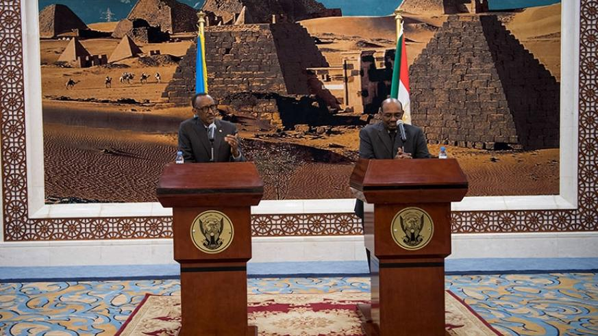 Presidents Kagame and Omar al-Bashir deliver statements to journalists in Khartoum shortly before the conclusion of the Rwandan leader's state visit to Sudan yesterday. Village Urugwiro.
