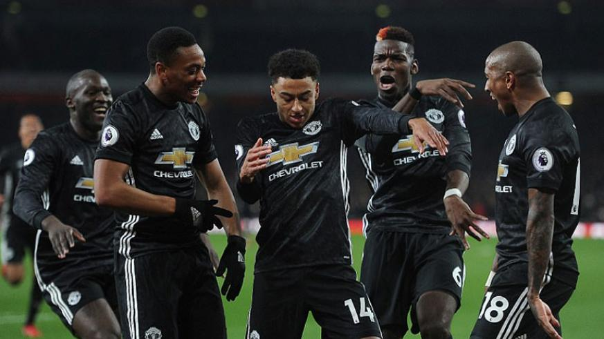Jessy Lingard celebrates by showing off some dance moves in front of the travelling Manchester United fans at the Emirates. / Net photo