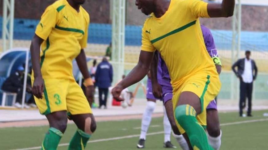 Striker Emmanuel Ngama, right, scored twice on 12th and 38th minutes as AS Kigali beat Amagaju 3-0 on Wednesday. File photo