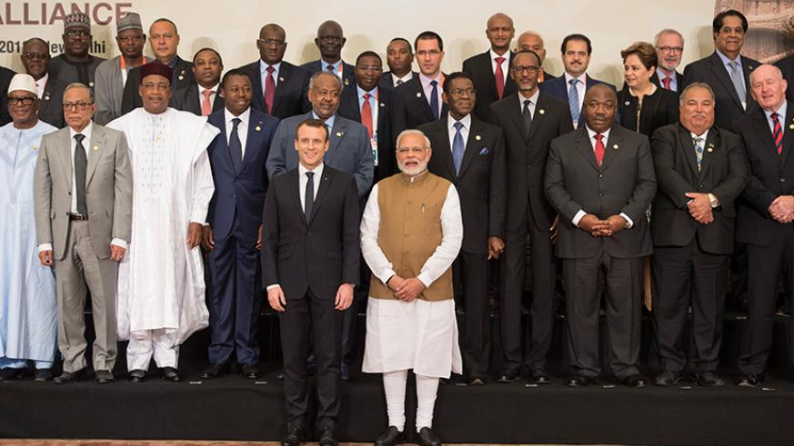 President Kagame with other Heads of State and Government at the International Solar Alliance founding conference in New Delhi, India yesterday. Village Urugwiro.