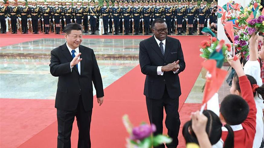 Chinese President Xi Jinping (L) holds a welcome ceremony for his Namibian counterpart Hage Geingob before their talks at the Great Hall of the People in Beijing, capital of China, March 29, 2018. (Xinhua/Rao Aimin)